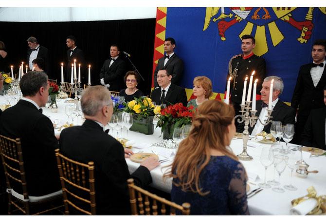 8 MAI 2015. JOURNEE DE LA ROYAUTE DINER AVEC LE PREMIER MINISTRE VICTOR PONTA.