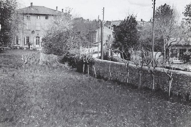 LE JAS DE BOUFFAN. Photo prise en 1935 par John REWALD