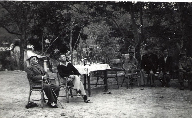 """LE SEIGNEUR DEO VAN AN (1884-1969) EN SON """"PALAIS"""" DE PHONG THO. IL ETAIT LE MEILLEUR ENNEMI DE DEO VAN LONG DONT LA TANTE, SOEUR DE DEO VAN TRI, ET VEUVE DE SON ONCLE DEO VAN NHI, A FAIT DECAPITER SON PERE EN 1886. IL AVAIT 2 ANS."""