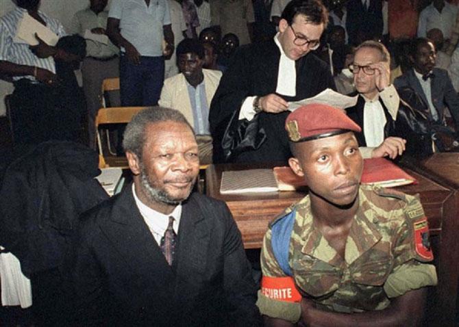 NOVEMBRE 1986. RETOUR à BANGUI : PROCES à GRAND SPECTACLE = PRISON