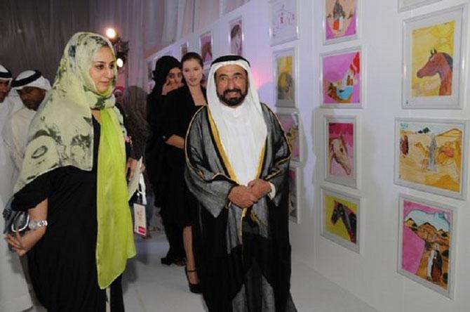SHEIKHA JAWAHER et DOCTEUR SULTAN AL-QASIMI INAUGURENT  UNE EXPOSITION