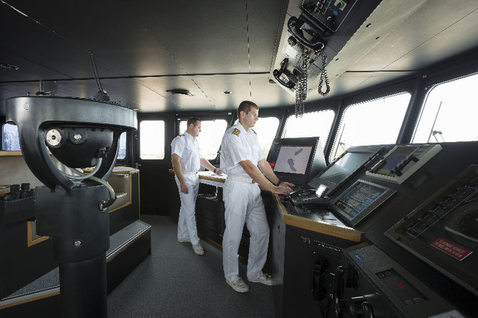 Capitaine en second Patrick WALSH et chef d'état-major William THOMAS