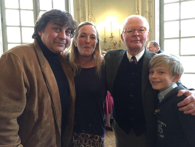 g. à dte.  Franck MAUBERT, Madeleine LEFEBVRE épouse de Paul-Henri GUERMONPREZ LE GRAND MANITOU, Leopold GUERMONPREZ.  C* Gwen  HIBON
