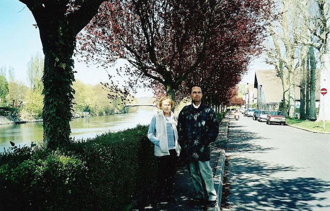 ETE 2003. ISLE ADAM. Avec Jean-Marie BOUYGUES qui avait 16 ans en 1965 . Jean-Marie est décédé