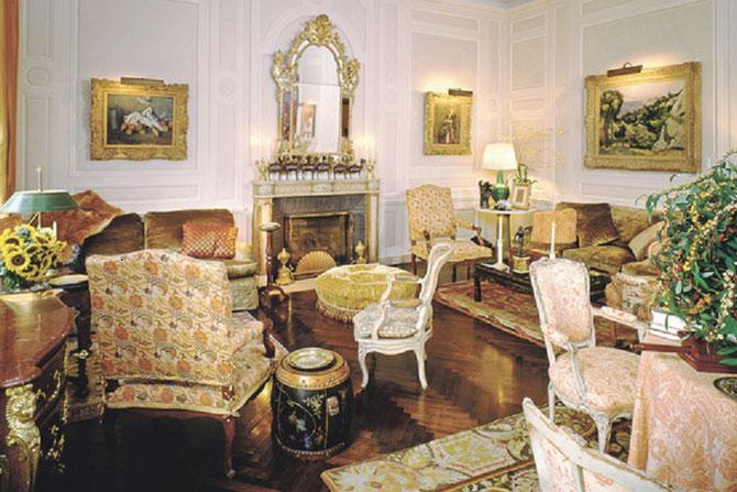 Appartement de BABE et BILL PALEY sur la Cinquiéme Av. N.Y.  Les  2 CEZANNE étaient auparavant dans leur suite du St. Regis