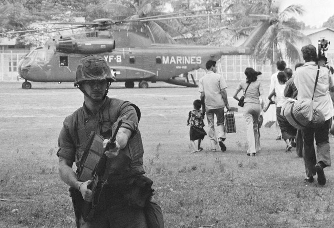 12 AVRIL 1975. OPERATION EAGLE FULL.. EVACUATION GENERALE DES RESSORTISSANTS AMERICAINS DE PHNOM-PENH