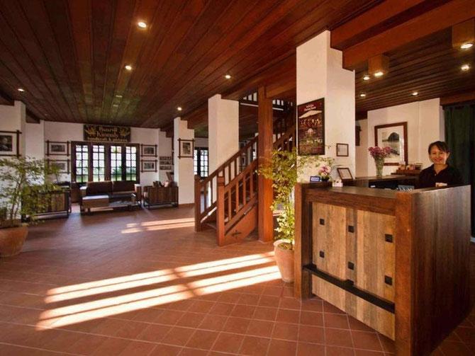 """ENTREE DU """"SANCTUARY HOTEL"""", ANCIENNE DEMEURE DES PRINCES SOUPHANTHARANGSI."""