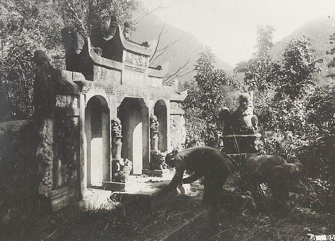 MAUSOLEE DU SEIGNEUR. DEO VAN TRI.PHOTO 1925. AFFAIRES ECONOMIQUES FRANCE D'OUTRE-MER