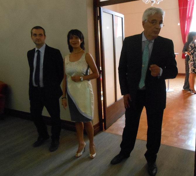 dte. à g.  S.E LE CONSUL GENERAL d'ITALIE FABRIZIO MAZZA, SON EPOUSE, LE PROFESSEUR FRANCESCO NERI DIRECTEUR DE L'ICC MARSIGLIA