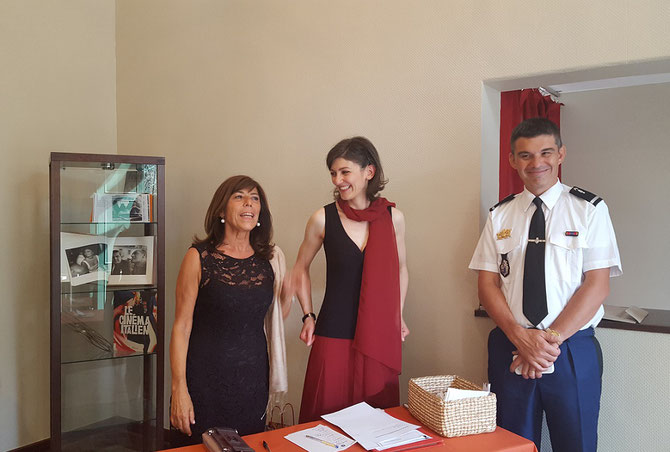 à droite  L'ADJUDANT-CHEF Laurent MONIN , Adjoint au chef de cabinet du commandant de région PACA