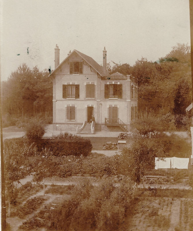 PHOTO datée de 1906. PROPRIETAIRE : Famille LALANDE. Avec nos remerciements à notre Maire de l'autre siècle, Bernard GROULIER