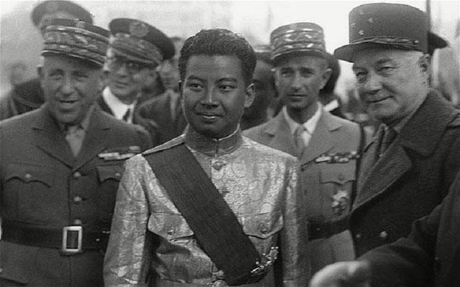 1946; LE JEUNE ROI  NORODOM SIHANOUK. EN VISITE OFFICIELLE.