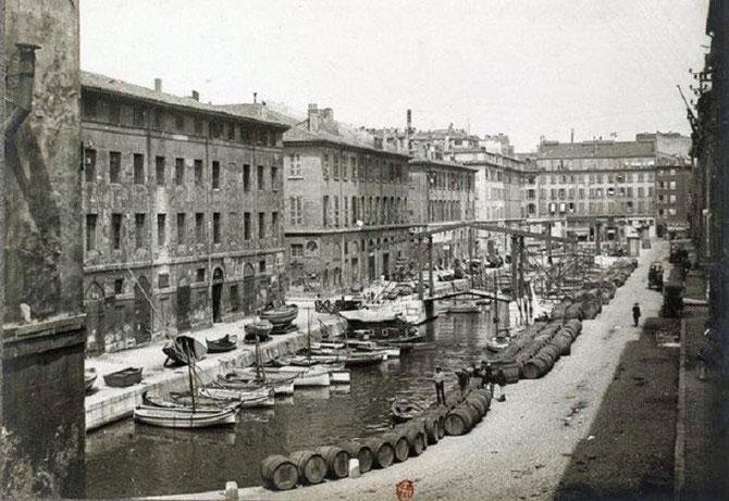 LE CANAL DE LA DOUANE (1782-1929) FUT COMBLE DE 1927 à 1929;