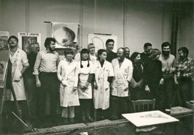 1982. SAINT-AUBIN-LES-ELBEUF LA CLASSE DE DESSIN de MICHEL et MOUSSE LECLERC..