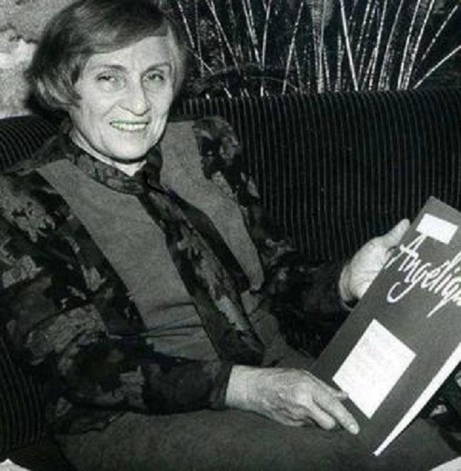 1990 . ANNE, invitée d'honneur de la Raballée, à Celles-sur-Belle (Deux-Sévres). C* Nadine GOLOUBINOFF