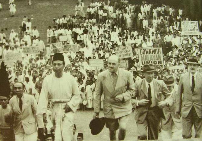 SIR EDWARD GENT (1895 + 1948), PREMIER GOUVERNEUR DE L'UNION MALAISE : IL SE HEURTAIT  à UN BOYCOTT DES SULTANS SOUTENUS   MASSIVEMENT  PAR LA POPULATION .