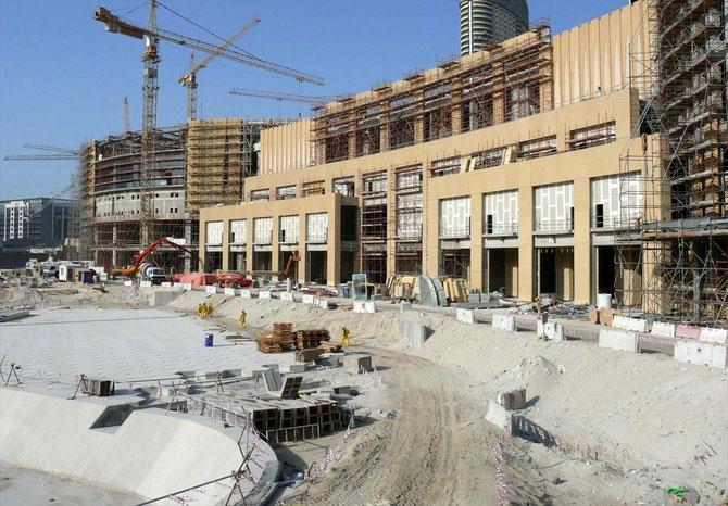 3 JANVIER 2008. LE DUBAI MAIL EN CONSTRUCTION.