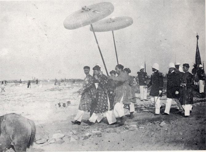 1900. L'EMPEREUR THANH THAI et son FRERE RENDENT VISITE AU GOUVERNEUR GENERAL PAUL DOUMER  AU CAP SAINT JACQUES.