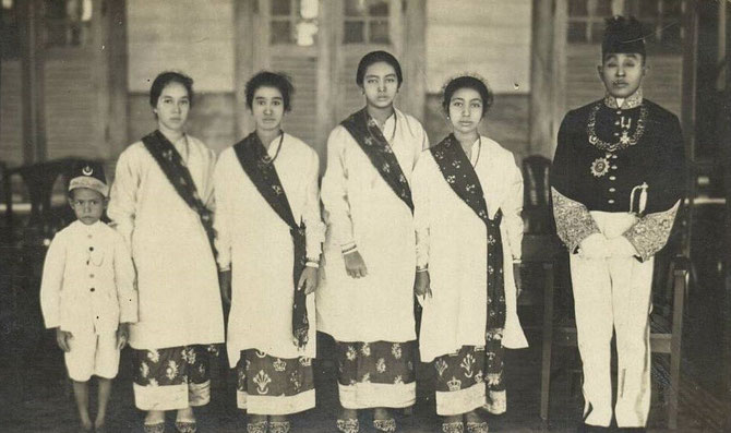 SULTAN VI SYIARIF MUHAMMAD ALKADRIE (1895-1944).    Photo vers 1920.