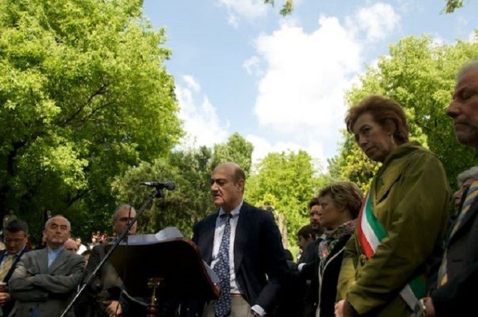 24 JANVIER 2003. INAUGURATION DU JARDIN DES JUSTES. GABRIELE NISSIM et LE MAIRE DE MILAN LETIZIA MORATTI.