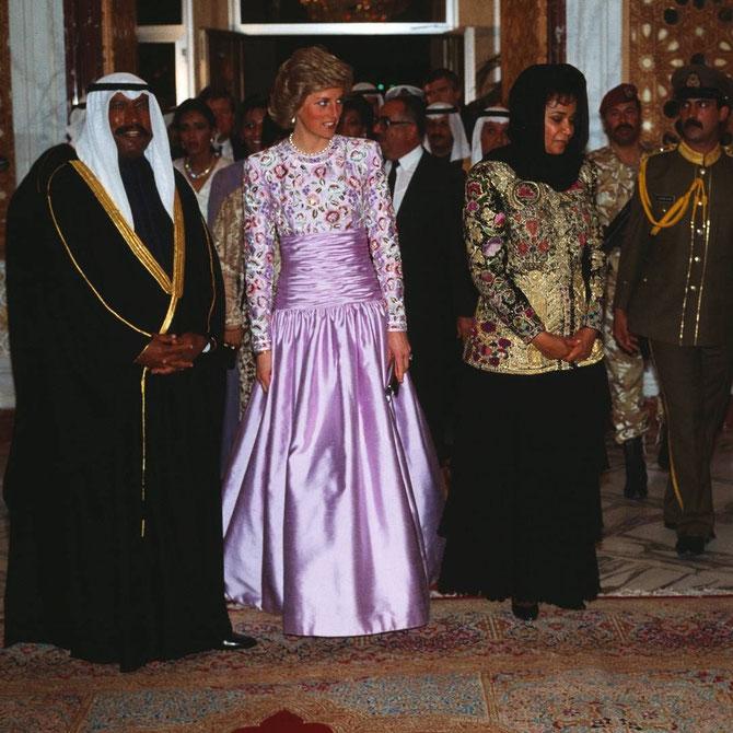 13 MARS 1989.  VISITE OFFICIELLE DU PRINCE DE GALLES. S.A SAAD AL-ABDULLAH AL-SALEM AL-SABAH PRINCE HERITIER, PREMIER MINISTRE et SON EPOUSE SHEIKA LATIFA  AVEC LADY DIANA.