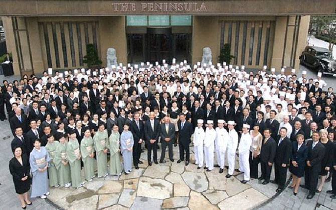 "1er Sept. 2007. INAUGURATION : ""THE PENINSULA TOKYO"" . Au centre  SIR MICHAËL KADOORIE."