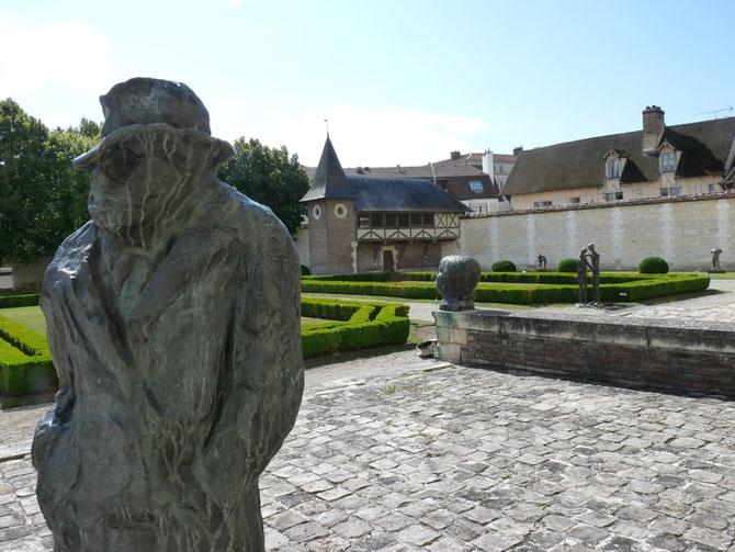 UN DERNIER TOUR DANS LE JARDIN-MUSEE peuplé d'âmes sans âge .. C* jetraine.canalblog.com