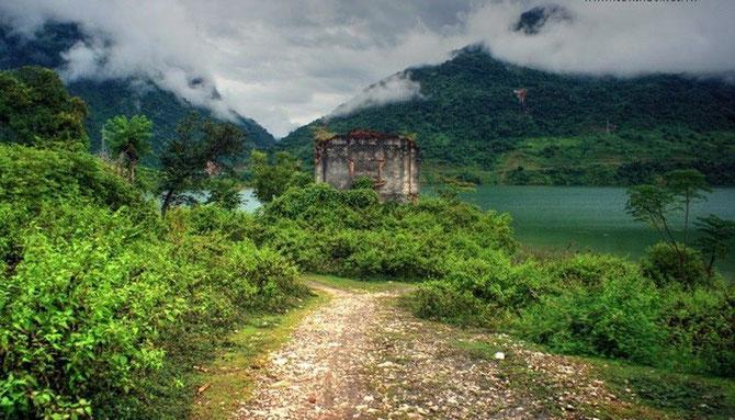 DES RUINES ET ENCORE DES RUINES. AVEC NOS REMERCIEMENTS à www.kienthuc.net.vn POUR TOUTES LES PHOTOS DES RUINES.