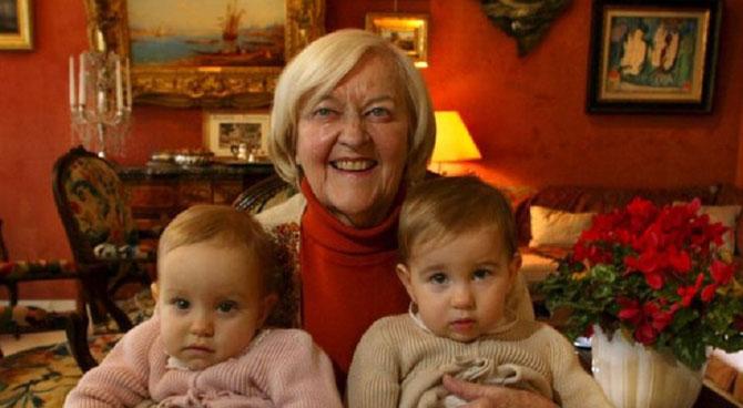 MME MICHELE BELLON DUMON 1932+2017 et deux de ses petits-enfants. C* www.laprovence.com