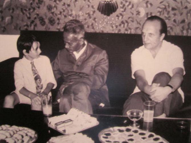 14 JUILLET 1971. Pierre SUSINI reçoit le Premier Ministre PHAM VAN DONG