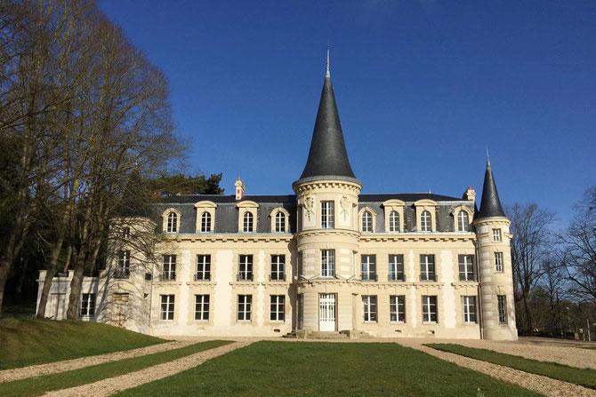 2015. Château d'Hardricourt_Yvelines, Admirablement restauré.