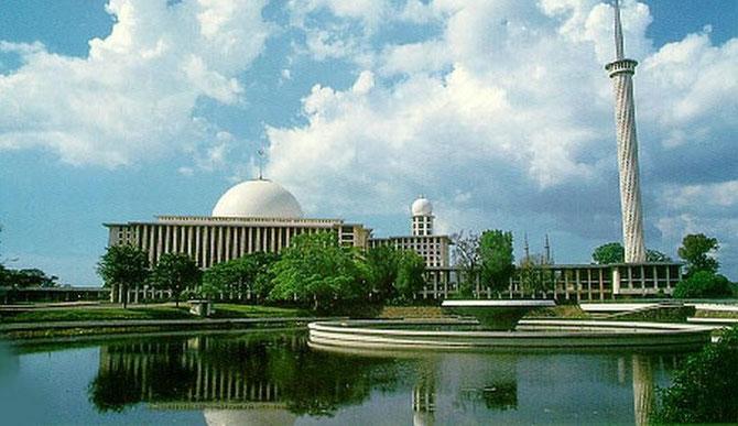 LA MOSQUEE ISTIQLAL ; JAKARTA
