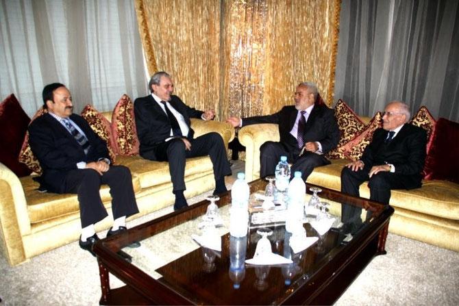 Dimanche 21 Avril 2013. Son Altesse Royale le Prince MOHAMMED et le chef du gouvernement, Son Excellence Abdelilah BENKIRANE.  Son Altesse ne demande qu'à apporter son expérience à la future Banque Islamique du Maroc.