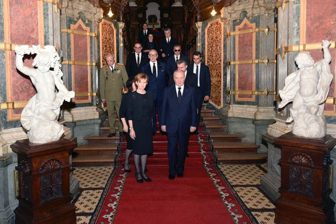S.A.R LA PRINCESSE HERITIERE MARGARETA ACCUEILLENT LES CHEFS D'ETAT DE ROUMANIE et DE MOLDAVIE