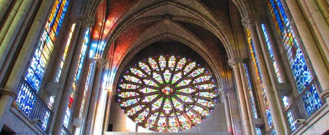 CREATION VITRAUX CHAPELLE SAINT JEAN DE DIEU à LEHON