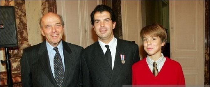 2004. LL.AA.RR. LES PRINCES MICHEL, CHARLES-EMMANUEL et AMAURY DE BOURBON PARME