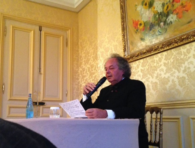 LE CONFERENCIER GONZAGUE SAINT BRIS.