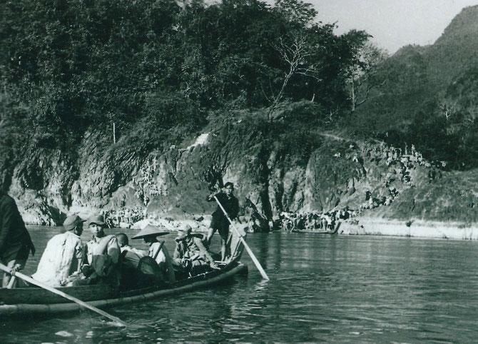 20 NOVEMBRE 1953. EVACUATION DU YAMEN DE LAI CHÂU. LA FAMILLE DU SEIGNEUR DEO VAN LONG EST MENACEE DE MORT. LE SEIGNEUR DEO VAN DUC NAÎTRA 4 JOURS PLUS TARD à L'HÔPITAL DE HANOI.