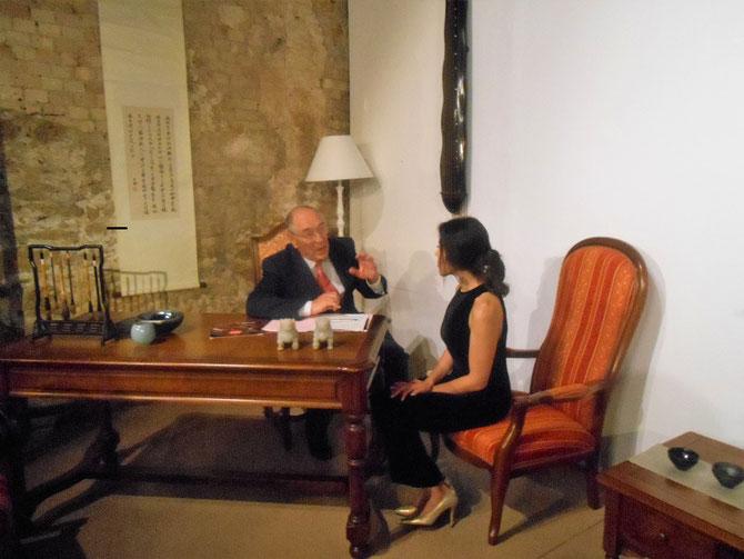 LE PT. Jacques ROCCA SERRA  avec Mme Liying ZHU, épouse du CONSUL GENERAL DE CHINE...