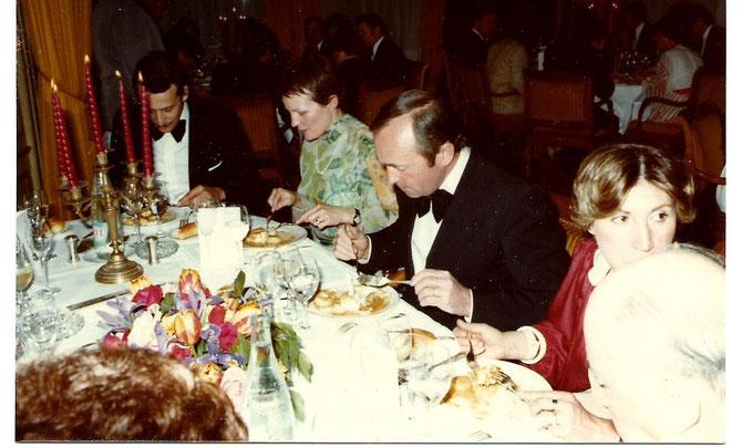 de gauche à droite : Bernard TOMASINI, Mme Philippe COURTOIS, Raymond PREVOST.