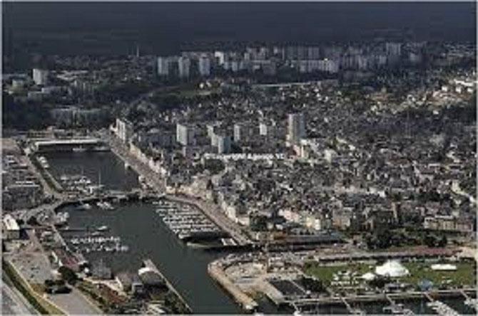 Cherbourg, Vue aérienne à l'aube du 3ème millénaie.