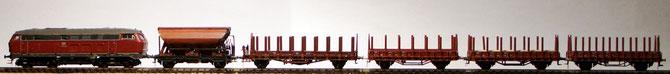 Kleine fiNescale Garnitur mit Brawa 160. Bis auf Kupplung, Räder und Puffer ist nichts verändert oder ergänzt.