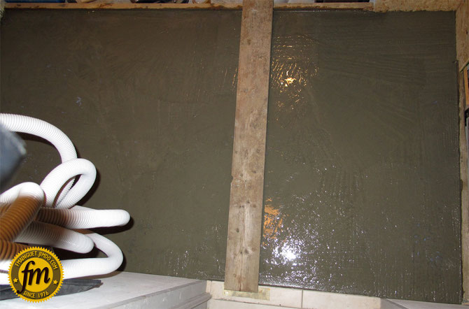Réalisation d'une arrière cuisine sur mesure - Dalle béton