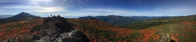 三ツ石山頂付近の岩場より。ぐるっと絶景でした~!