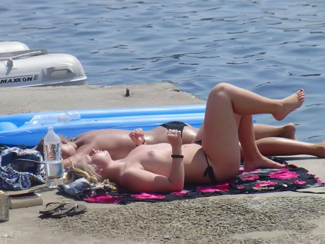 Fotos De Chicas Desnudas En La Playa Parte