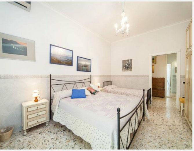 Camera da letto più letto singolo