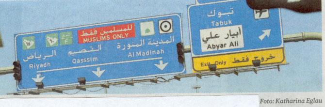 Verkehrshinweis vor Medina