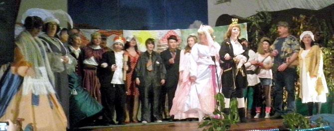 Foto: Jens Ch.   >>> Die Akteure auf der Bühne waren spitze.