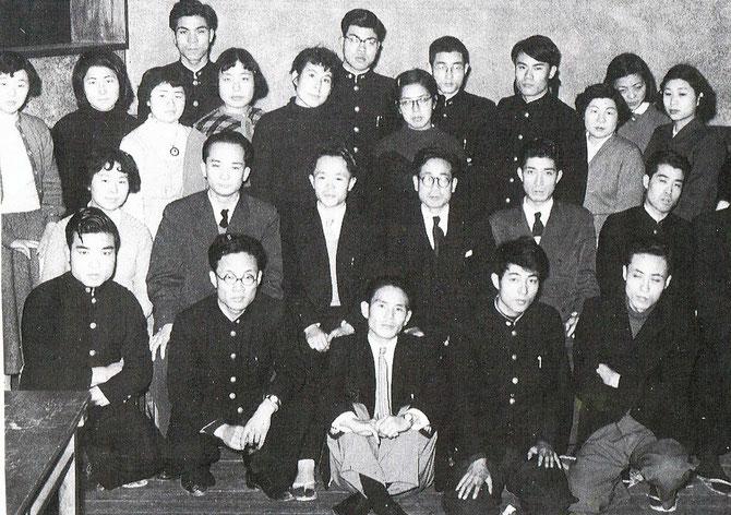 最前列右端 寺山修司と伊藤文学
