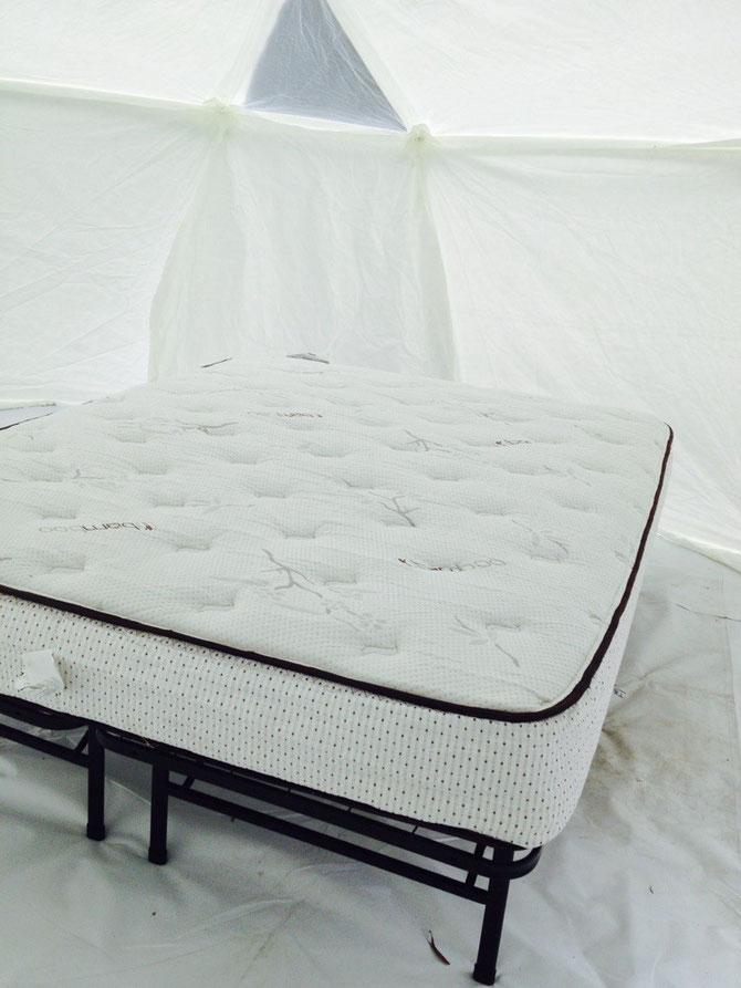 Das erste Bett! Alles weiß